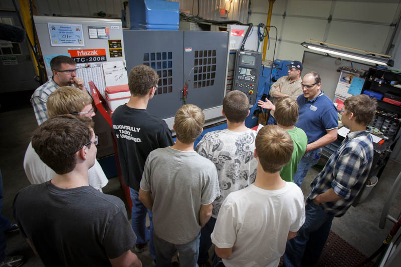 Student visit to MRS Machining
